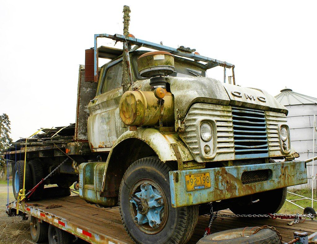 repairable salvage trucks